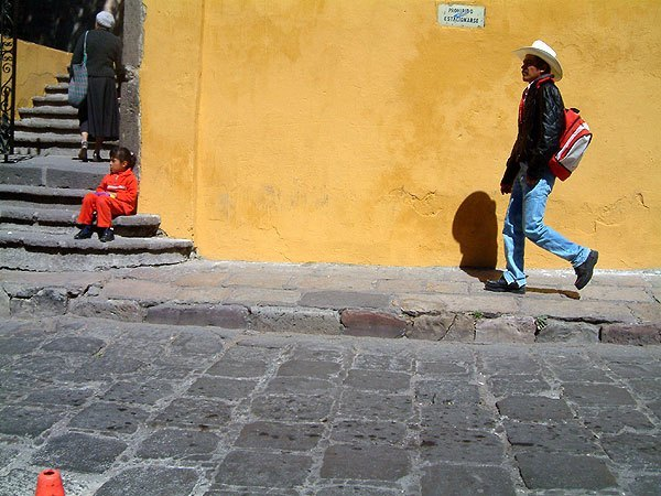 El-Pasar-Cerca