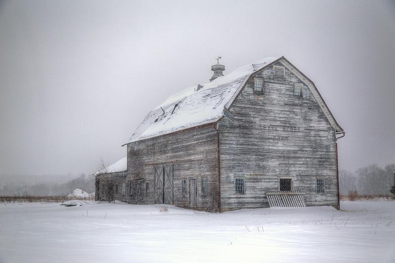 Winter-Barn