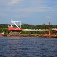 The-Largest-Revolving-Floating-Crane-on-the-East-Coast