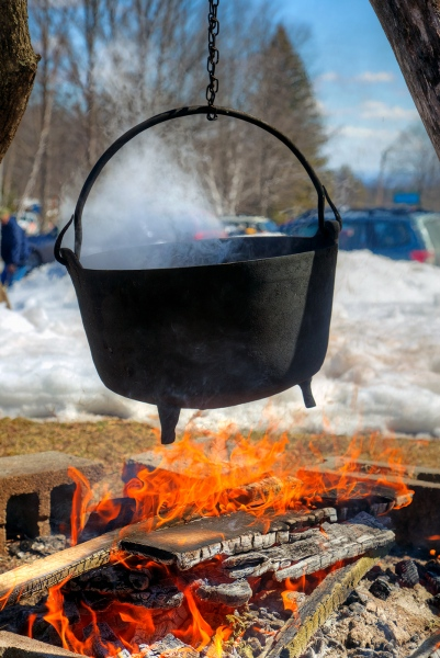 Making-Maple-Syrup