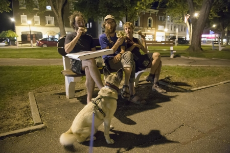 Park-Pizza-People-Pet-Portrait-Pose